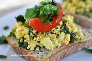Italian Tofu Scramble On Top of Toast