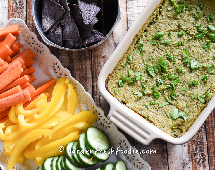 Baked Healthy Spinach Artichoke Dip